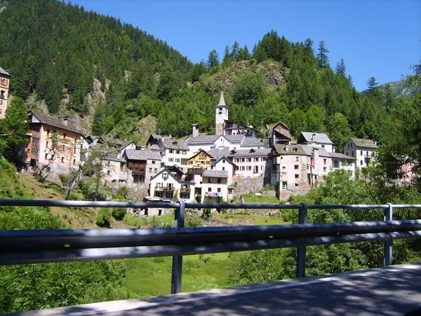 Деревня Моньо