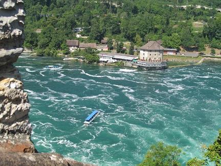 Вид на Рейнский водопад