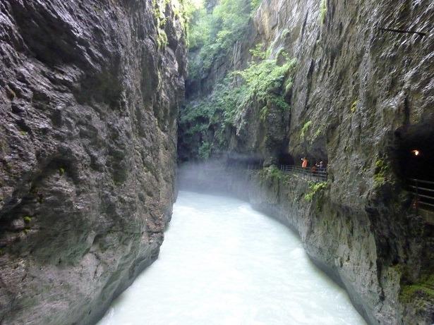 Река Аарэ в ущельи